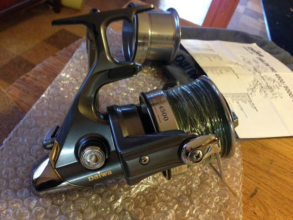Daiwa Spinning Reel Emblem Pro 4500 - Fishing Gear : Rods
